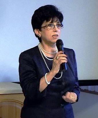 Dr. Bencze Izabella