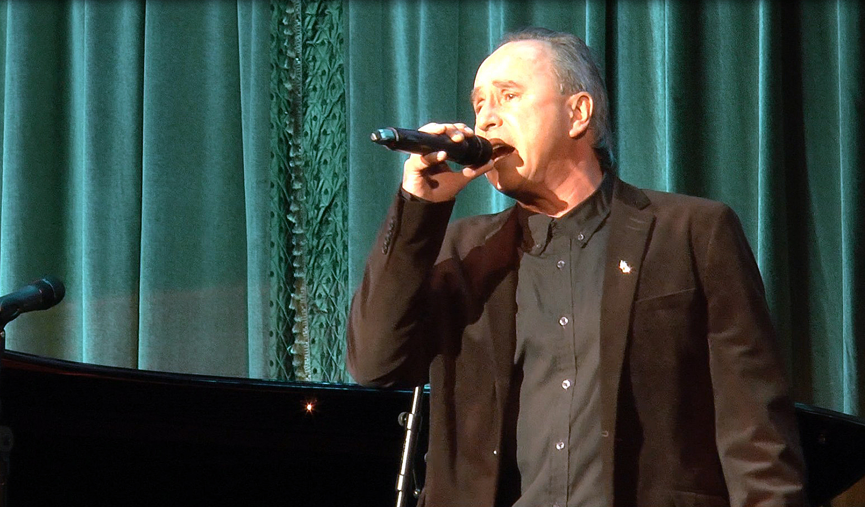 Varga Miklós énekes, előadóművész