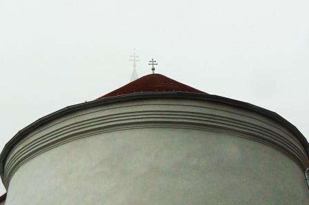Elkészült az atyhai templom teljes tetőszerkezete